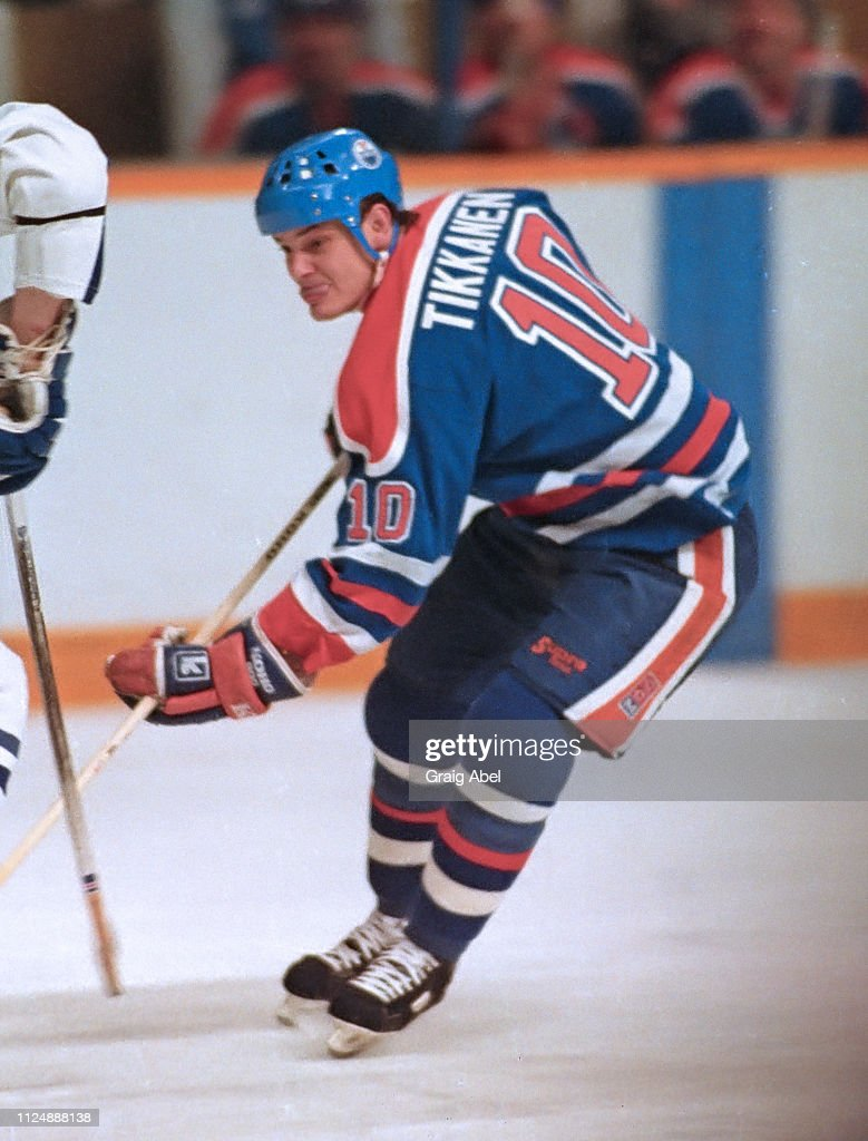timeless design 1265f e7c70 Esa Tikkanen the Edmonton Oilers skates against the Toronto ...