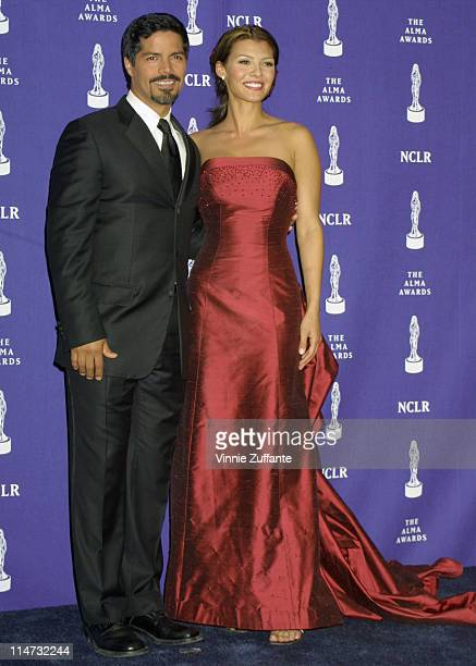 Esai Morales Ali Landry backstage at the 6th Annual ALMA Awards in Los Angeles 4/22/01