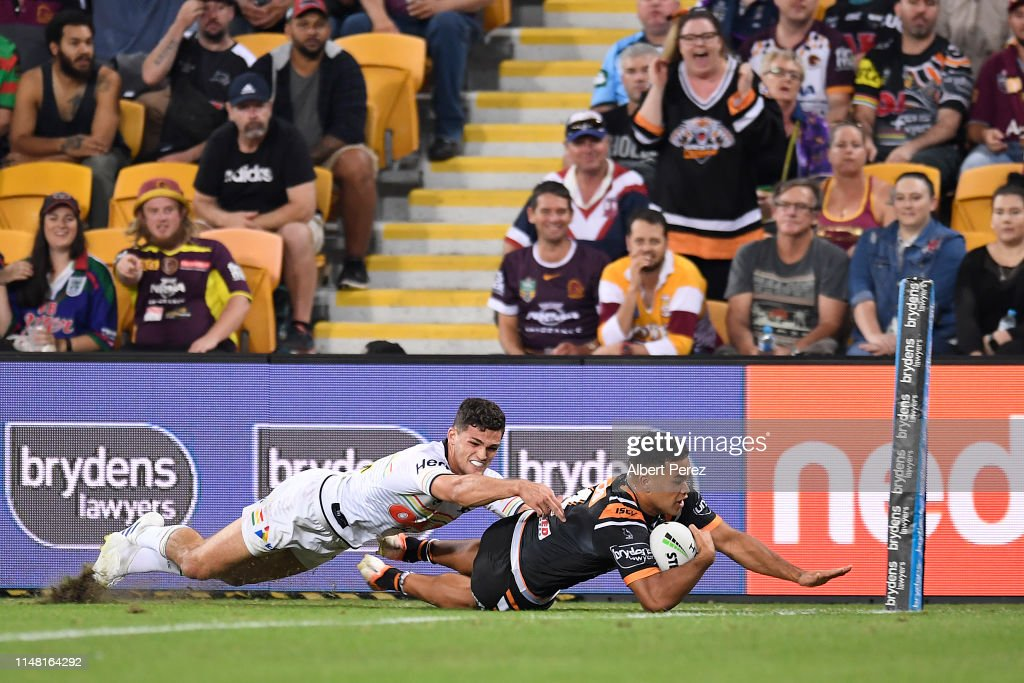 NRL Rd  9 - Tigers v Panthers : News Photo
