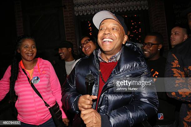 Esaw Garner Erica Garner and Russell Simmons attend the Together We Stand Fundraiser for the family of Eric Garner at Hudson Common at the Hudson...