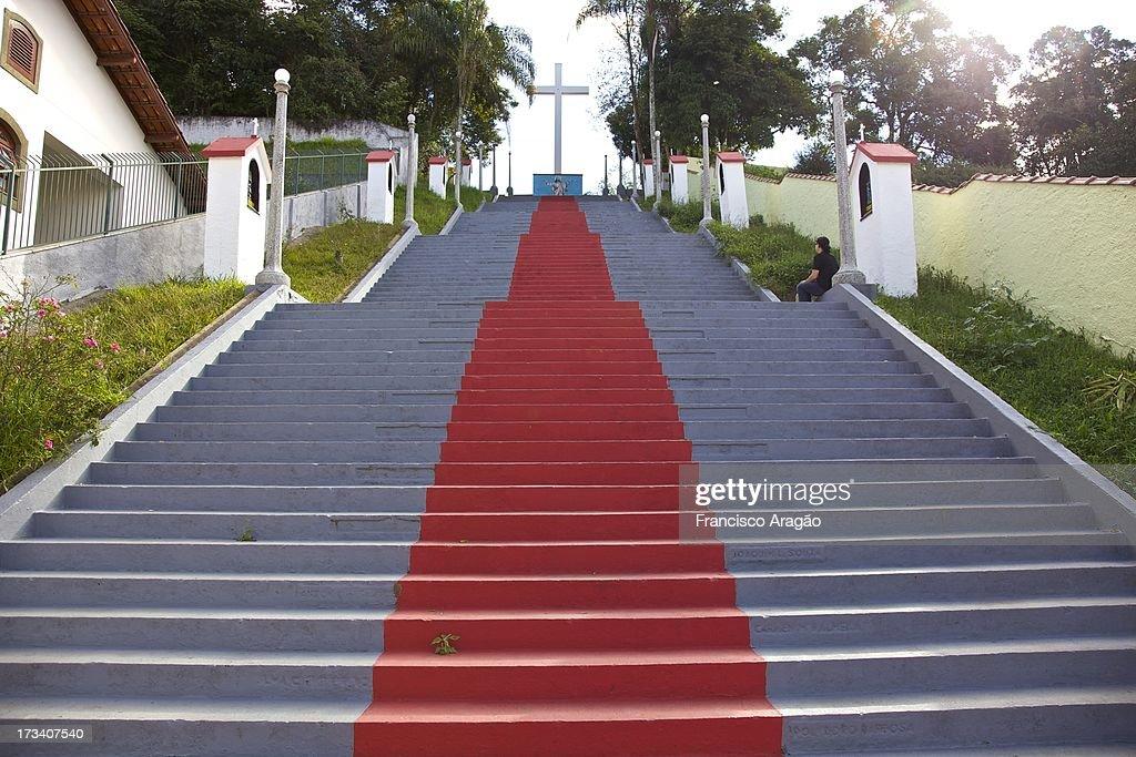 Escadaria de acesso à Igreja de Santa Izabel de Hu : Foto de stock