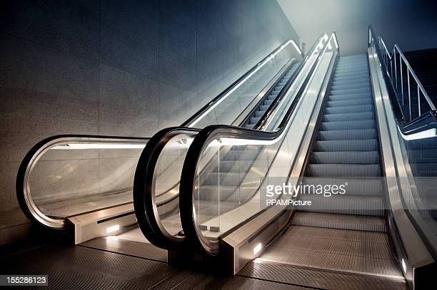 escalator in building - escalator stock pictures, royalty-free photos & images