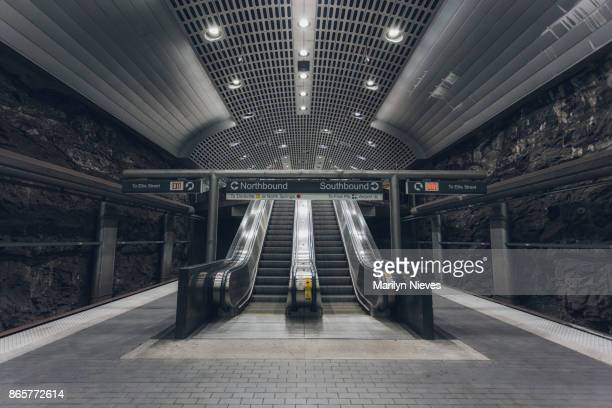 escalator in station - atlanta georgia stock pictures, royalty-free photos & images