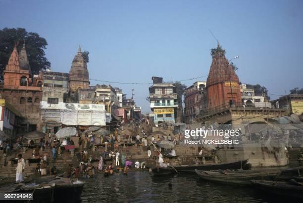 Escalier sur les rives du fleuve Gange le 15 décembre 1991 à Varanasi/Bénarès en Inde