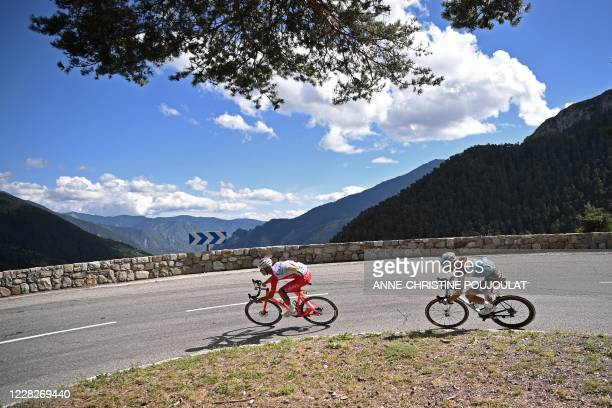 Escapees Team Cofidis rider France's Anthony Perez and Team AG2R La Mondiale rider France's Benoit Cosnefroy ride during the 2nd stage of the 107th...