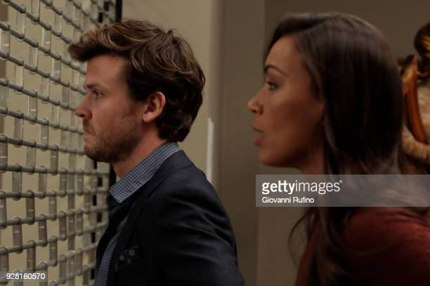 DECEPTION Escapology When an art museum docent is held hostage Kay enlists Cameron and his team to help rescue her using the art of escapology on...