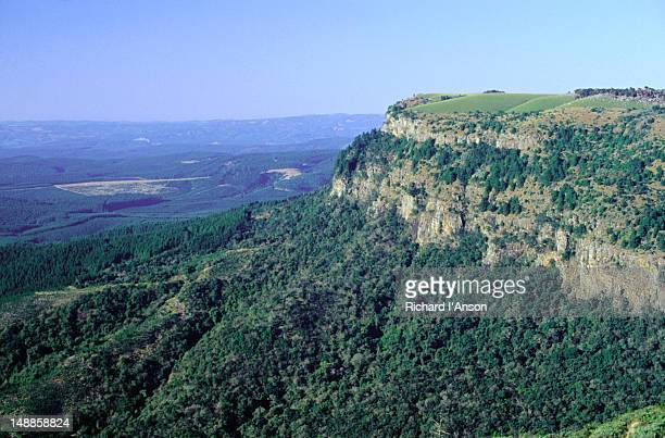 escarpment in the blyde river canyon nature reserve - escarpment stock pictures, royalty-free photos & images