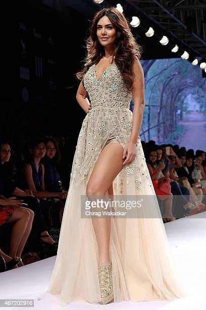 Esha Gupta walks the runway during the Arpita Mehta show on day 4 of Lakme Fashion Week Summer/Resort 2015 at Palladium Hotel on March 21 2015 in...
