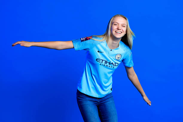 GBR: Esme Morgan  Signs a Contract extension with Manchester City Women