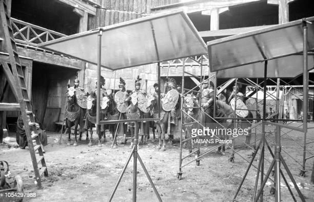 Espagne février 1963 Le tournage du film américain La chute de l'Empire romain d'Anthony Mann Ici un groupe de soldats romains montés sur des chevaux...