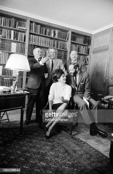 Espagne février 1963 Le tournage du film américain La chute de l'Empire romain d'Anthony Mann avec Sophia Loren Ici une partie de l'équipe du film...