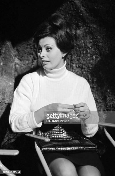 Espagne février 1963 Le tournage du film américain La chute de l'Empire romain d'Anthony Mann avec Sophia LOREN Ici l'actrice italienne de de...