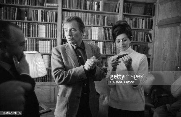 Espagne février 1963 Le tournage du film américain La chute de l'Empire romain d'Anthony Mann avec Sophia LOREN Ici l'acteur américain James MASON...