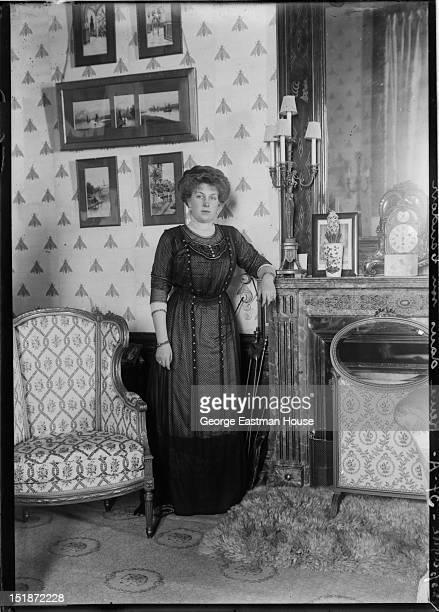 Espagne Reine dans son boudoir, ca. 1908.
