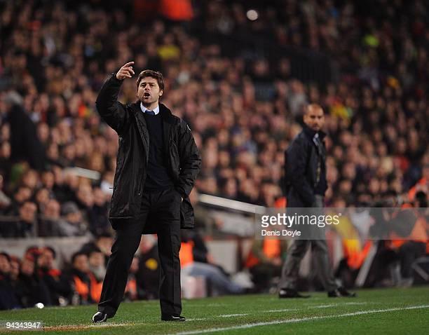 Espanyol manager Mauricio Pochettino signals to his team during the La Liga match between Barcelona and Espanyol at the Camp Nou stadium Stadium on...