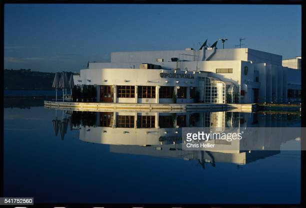 espelho d'agua pavillion and restaurant on the banks of the river tagus - espelho stock pictures, royalty-free photos & images
