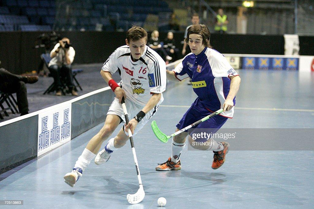 Switzerland's Simon Stucki (L) and Czech : News Photo