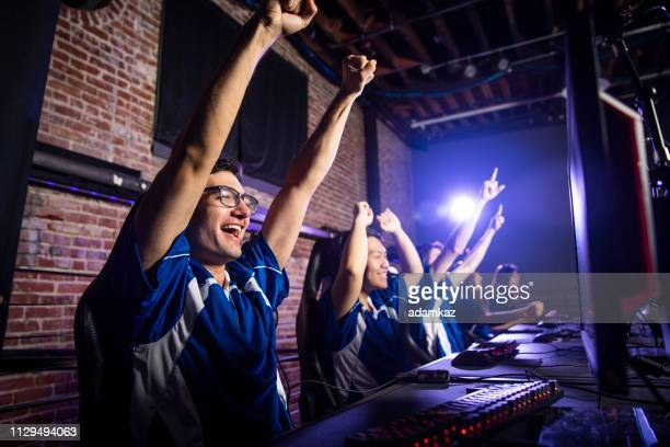 esports team winning the match - esports stock pictures, royalty-free photos & images