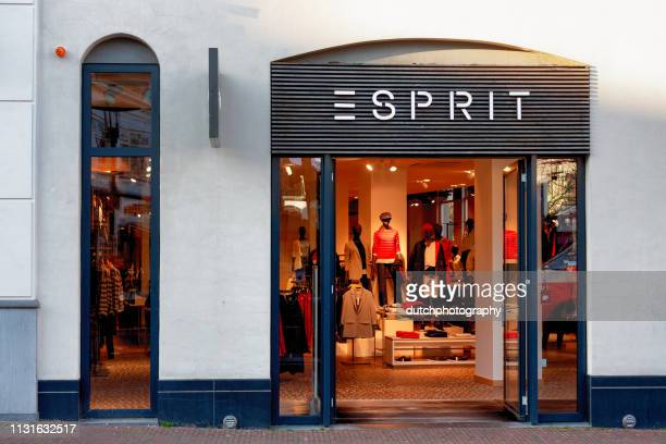 esprit kleding shop amersfoort, pays-bas-2019 - kleding photos et images de collection