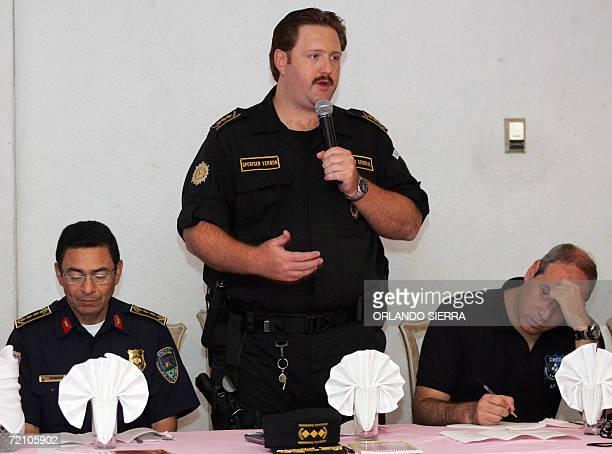 Erwin Sperinsen director de la Policia Nacional Civil de Guatemala se reune con sus homologos de Honduras Jose Romero Luna y de El Salvador Rodrigo...