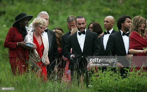 Esseline KerssenbergBradley grandmother of Sharlely Kerssenberg Sabine BeckerSchorp and guests depart after attending the church wedding of former...
