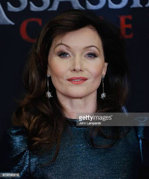 Essie Davis attends Assassin's Creed New York premiere at AMC Empire 25 theater on December 13 2016 in New York City