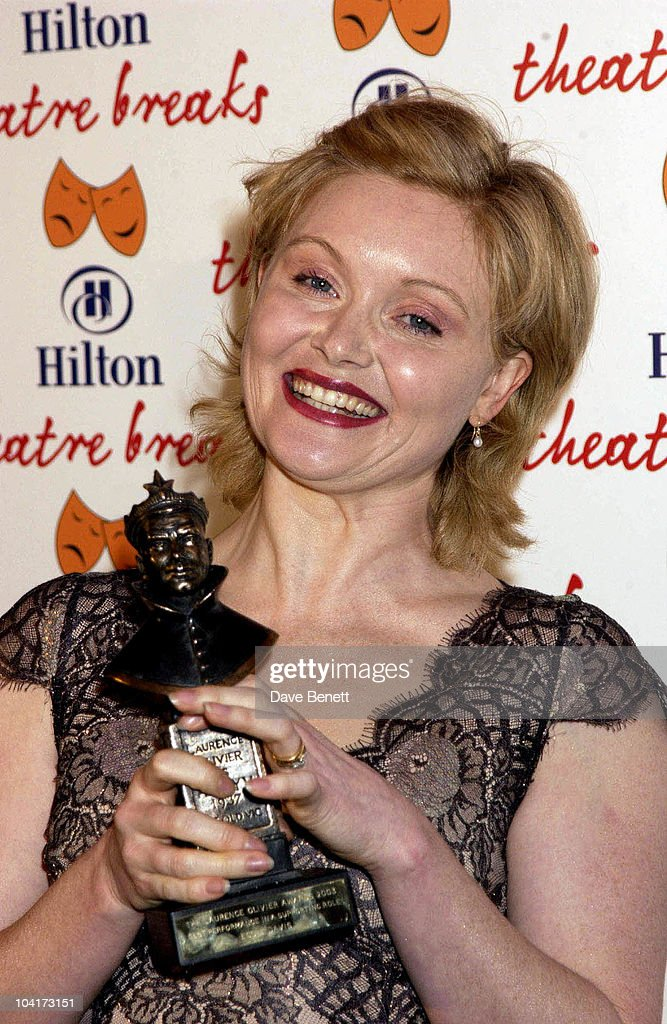 Essie Davis (best Performance In A Supporting Role), The Laurence Olivier Theatre Awards 2003 Held At The Lyceum Theatre In London