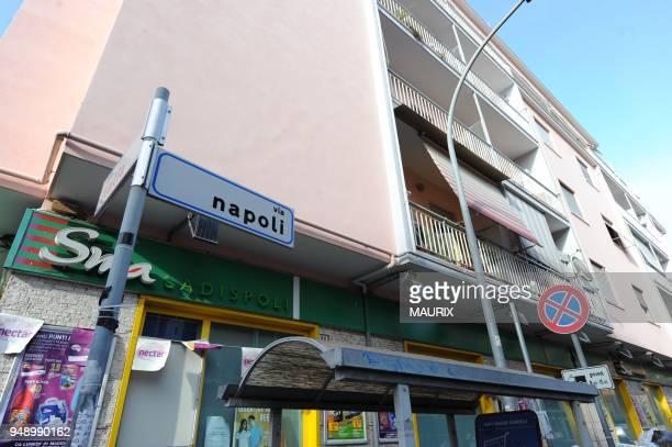 C'est un immeuble au 90 via Napoli A Ladispoli a une quarantaine de kilometres de Rome Les volets du premier etage sont clos C'est ici avec 510 euros...