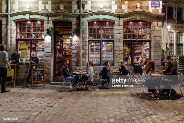 estaminet rue des vieux murs lille - lille stock pictures, royalty-free photos & images