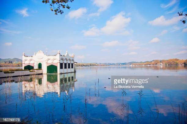 l'estany de banyoles - banyoles stock pictures, royalty-free photos & images
