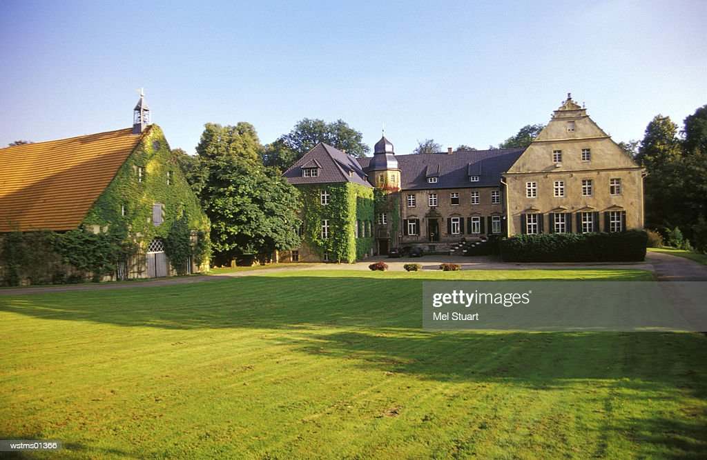 Estate Gut Ostenwalde in Oldendorf, Osnabruecker land, Northern Germany : Stock Photo