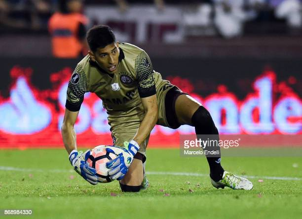 Esteban Andrada goalkeeper of Lanus catches the ball during a second leg match between Lanus and River Plate as part of the semifinals of Copa...