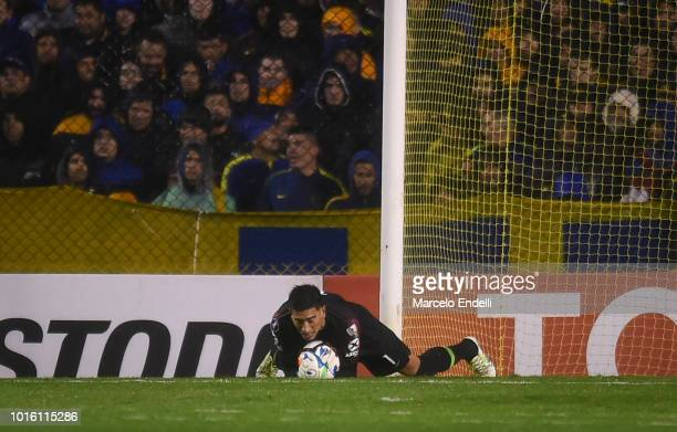 Esteban Andrada of Boca Juniors catches the ball during a round of sixteen first leg match between Boca Juniors and Libertad as part of Copa CONMEBOL...
