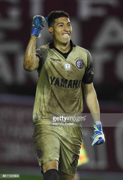 Esteban Andrada of Lanus celebrates after penalty shootout during the second leg match between Lanus and San Lorenzo as part of the quarter finals of...