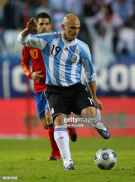 Esteban Cambiasso of Argentina in action during the friendly International football match Spain against Argentina at the Vicente Calderon stadium in...