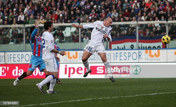 Esteban Cambiasso of Inter scores his goal during the Serie A match between Catania and Inter at Stadio Angelo Massimino on January 9 2011 in Catania...