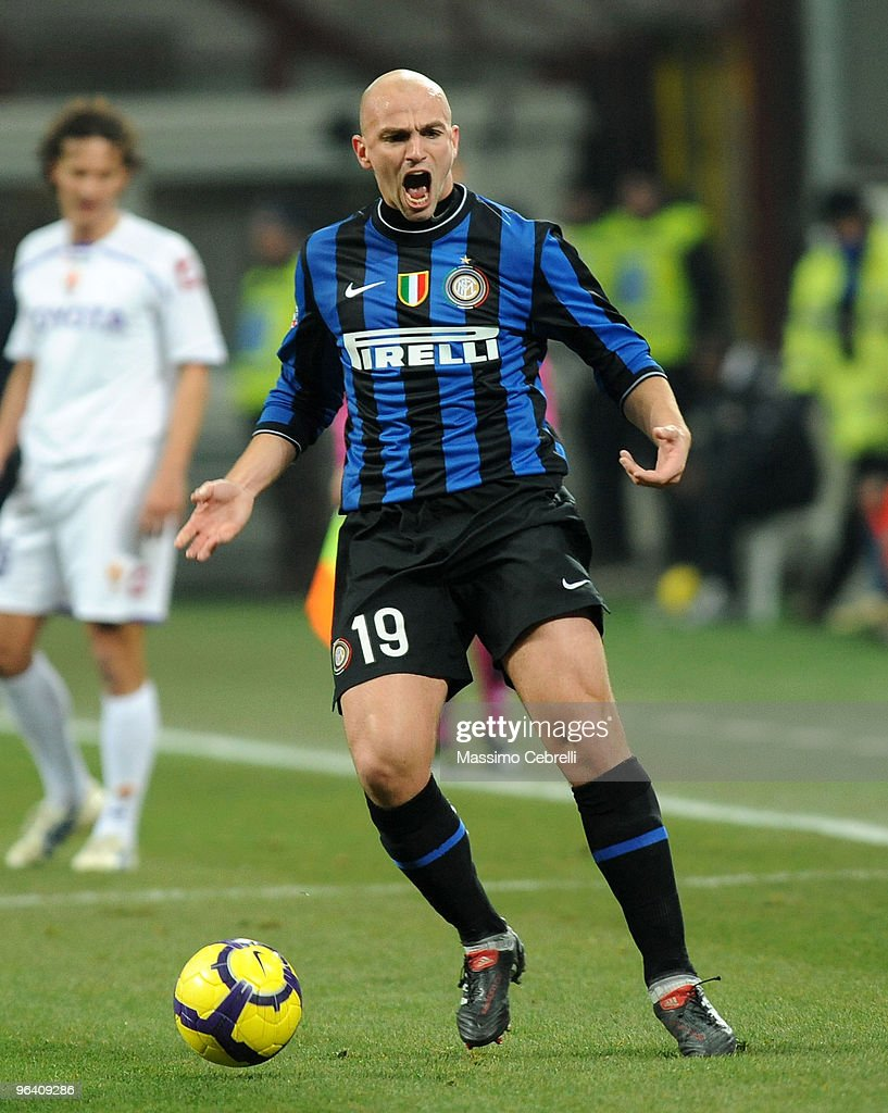 Esteban Cambiasso of Internazionale Milan reacts during the first leg semifinal Tim Cup between FC Internazionale Milano and ACF Fiorentina at Stadio Giuseppe Meazza on February 3, 2010 in Milan, Italy.