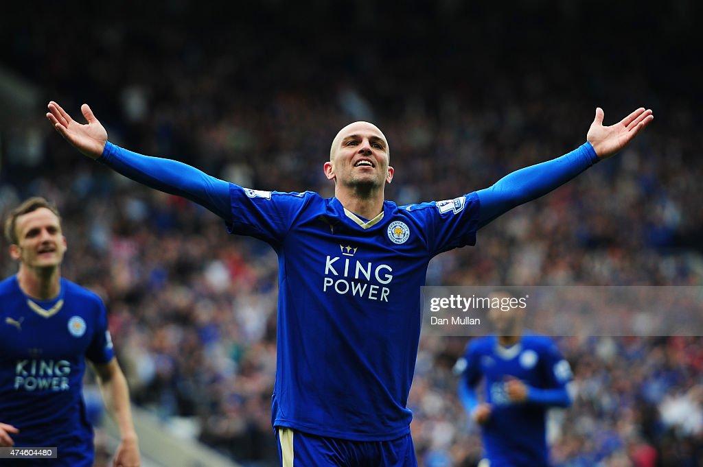 Leicester City v Queens Park Rangers - Premier League : Foto jornalística