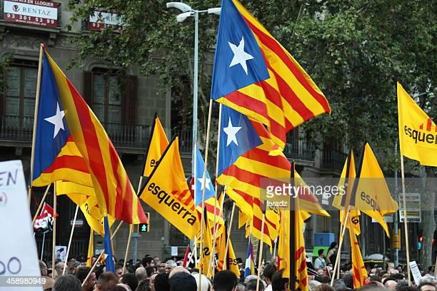 estelada - catalan speratist flag - catalonië stockfoto's en -beelden