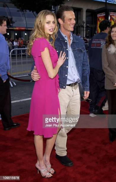Estella Warren and Peter Berg during Kangaroo Jack Premiere Los Angeles at Chinese Theatre in Hollywood California United States