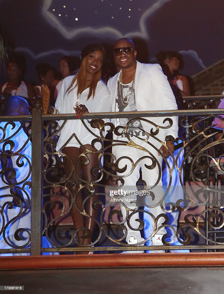 Estelle and Raheem DeVaughn attend The Luxury All White Everything party at Metropolitan Nightclub on July 5, 2013 in New Orleans, Louisiana.