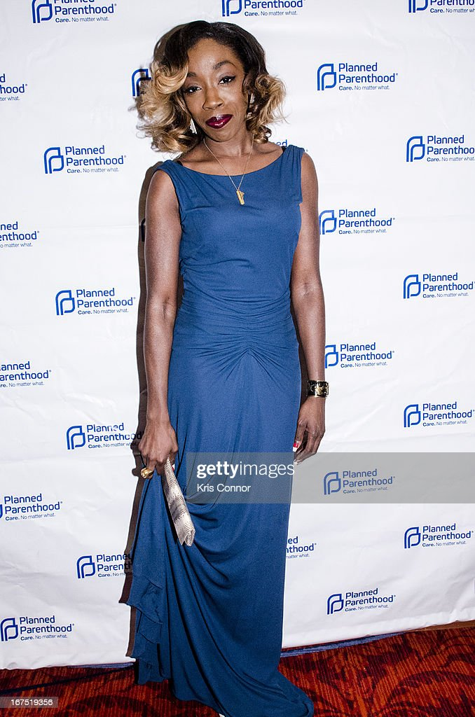 Estelle attends Planned Parenthood Federation of America's VIP Reception > at the Marriott Wardman Park Hotel on April 25, 2013 in Washington, DC.