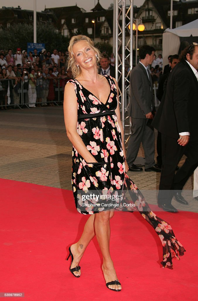 Estelle Lefebure arrives at the premiere of 'The Ice Harvest' during the 31st American Deauville Film Festival.