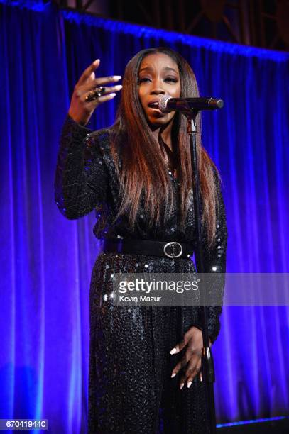 Estelle performs on stage at the Food Bank for New York City CanDo Awards Dinner 2017 on April 19 2017 in New York City