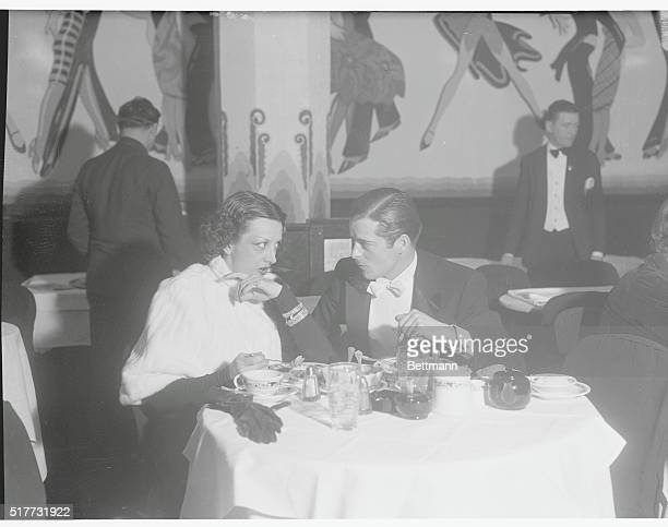 Estelle Warburton and an English Friend Hollywood California Estelle Taylor film star and former wife of Jack Dempsey exheavyweight champion of the...