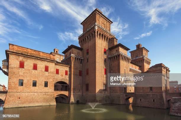 estense castle, ferrara, italy - emilia romagna stock pictures, royalty-free photos & images