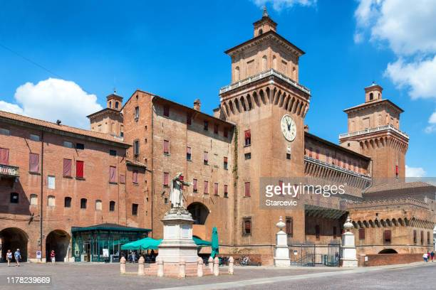 estense castle in ferrara, italy - ferrara stock pictures, royalty-free photos & images