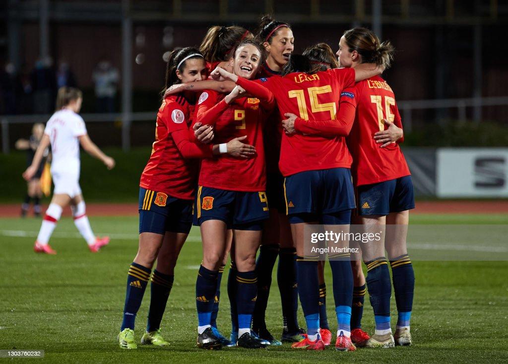 Spain v Poland - UEFA womens Euro qualifying draw, group D : ニュース写真