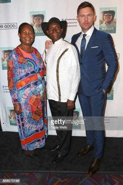 Esther Mully Charles Mully and Scott Haze at the premiere of Graceful Light Entertainment's Mully at Regal LA Live Stadium 14 on October 3 2017 in...