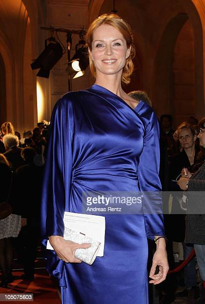 Esther Schweins attends the 'Hesse Movie Award 2010' at the Alte Oper on October 8, 2010 in Frankfurt am Main, Germany.